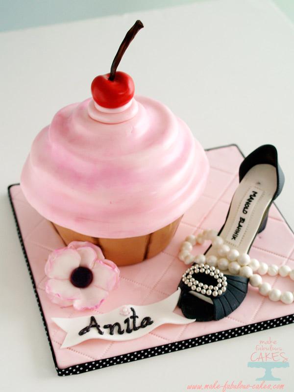How to Make a Giant Swirly Cupcake