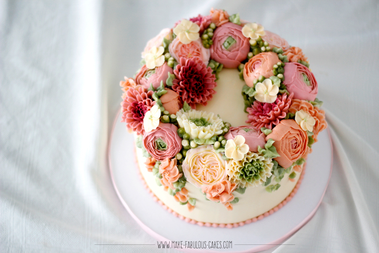buttercream flowers wreath cake
