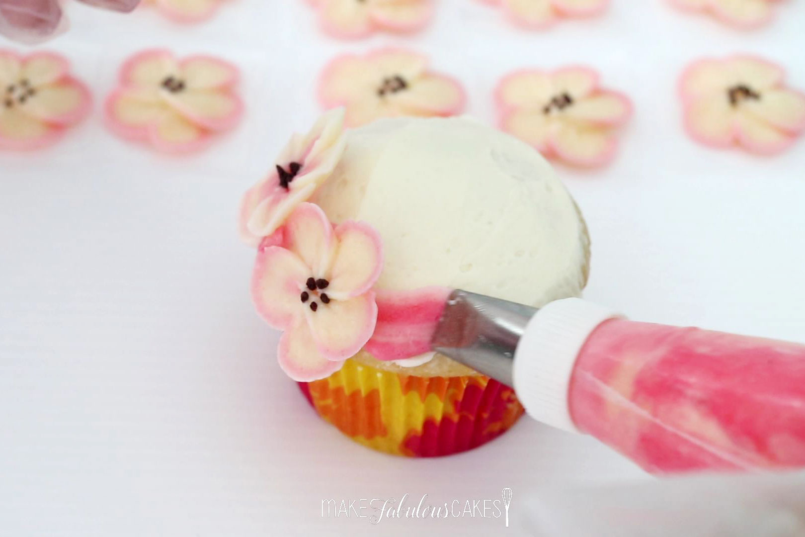 buttercream blossoms cupcake