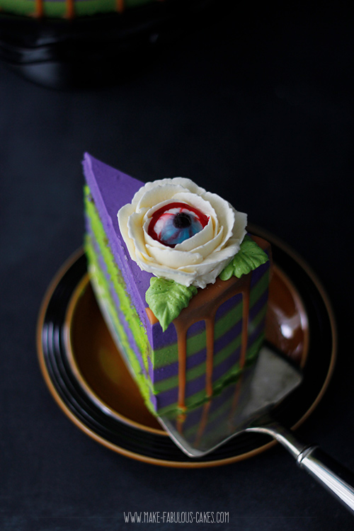 Halloween Eyeball Flower Cake
