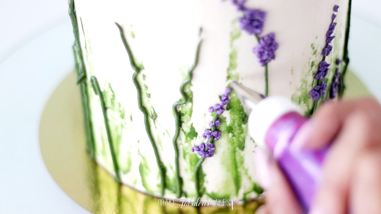 How to Pipe Buttercream Lavender Flowers