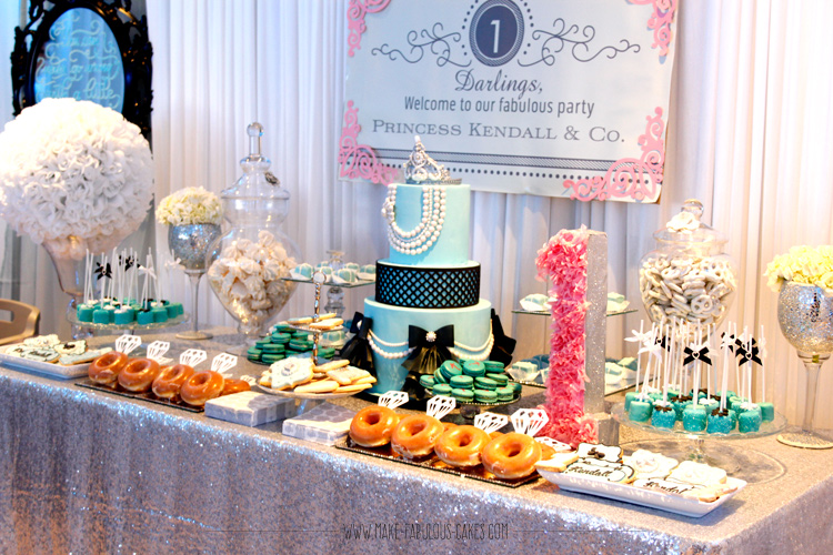 Breakfast At Tiffany's dessert table