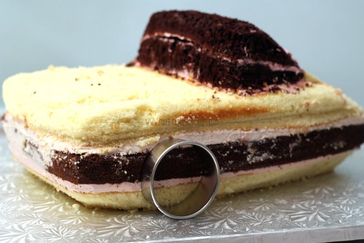How to make a Flo car cake