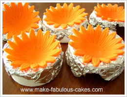 gerber daisy gum paste