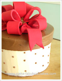 Easy gift box cake easy gift box cake tutorial negle Images
