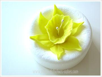 gum paste daffodil