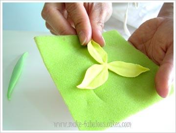 gumpaste daffodils