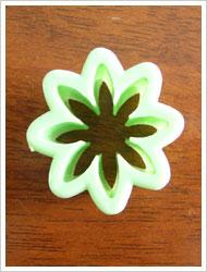 gum paste daisy cutter