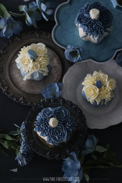 mini pumpkin cakes with flowers