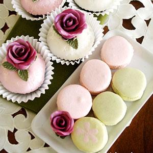 Rose Cupcakes & Macarons