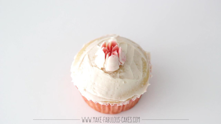 how to make a piping bag tip