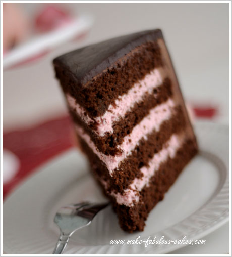 Cake With Chocolate Mousse Filling : Strawberry Mousse