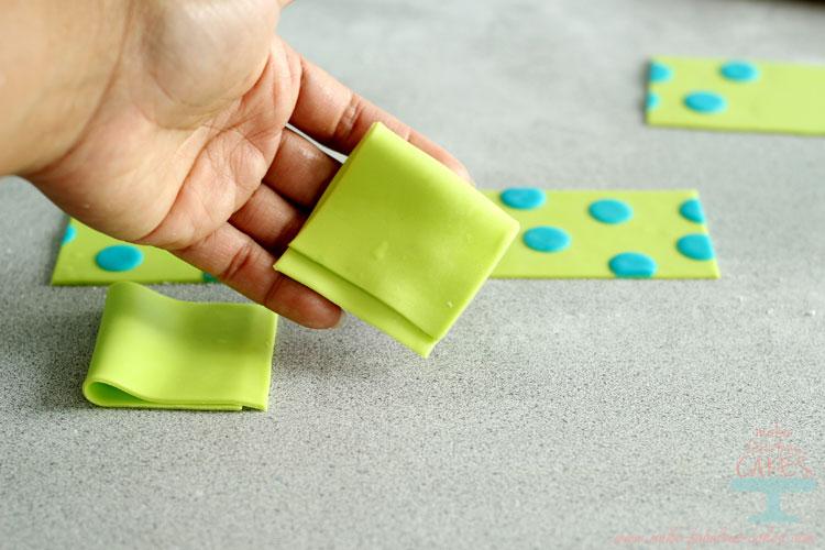 make gum paste bow
