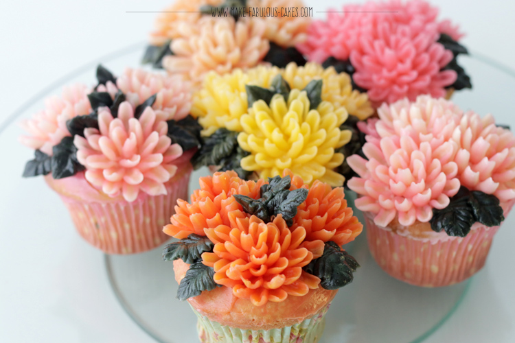 Buttercream Chrysanthemum Flowers Cupcakes