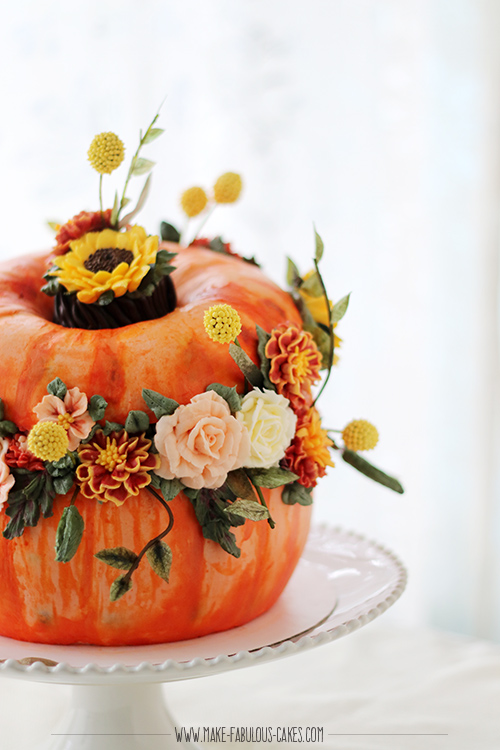 pumpkin flower cake