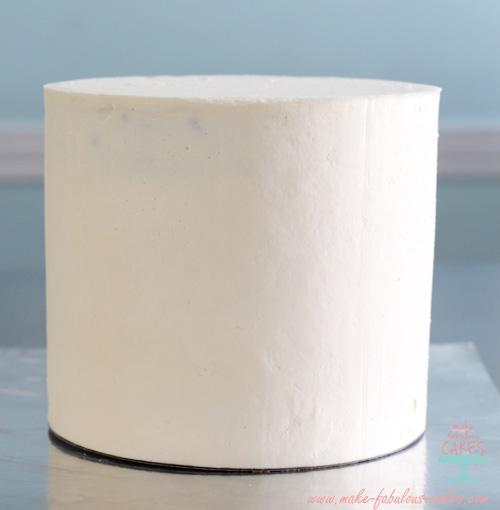 Sharp buttercream edges