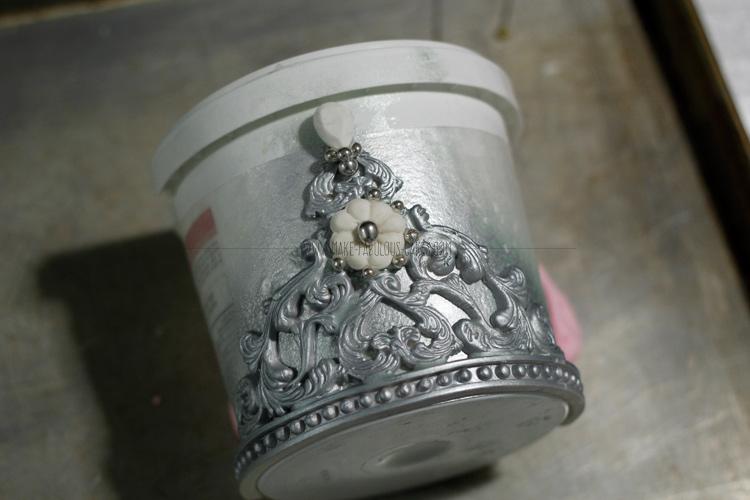 gum paste crown