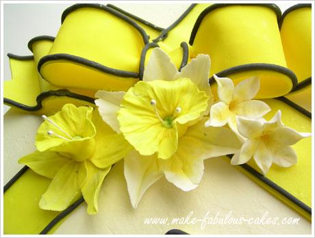 daffodil flower cake
