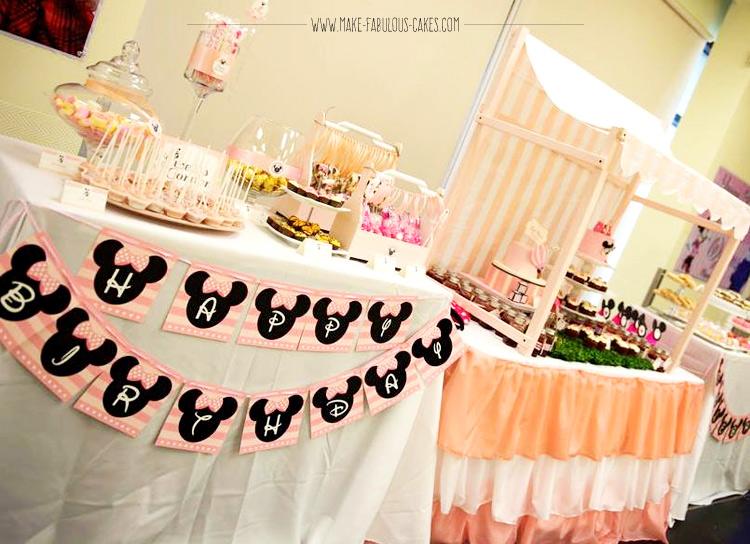 vintage minnie mouse dessert table