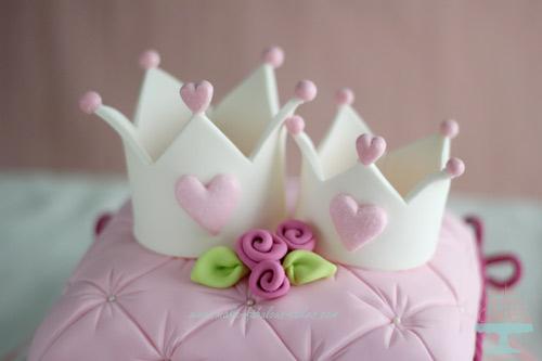 Pillow cake