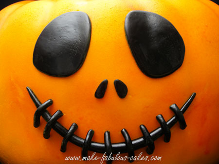pumpkin cake face