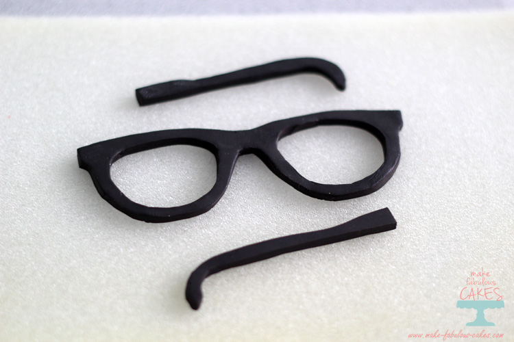 Gum paste eyeglasses