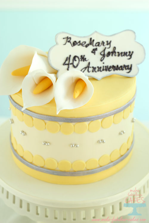 Anniversary Day Cake Images : Yellow and Silver Cakes